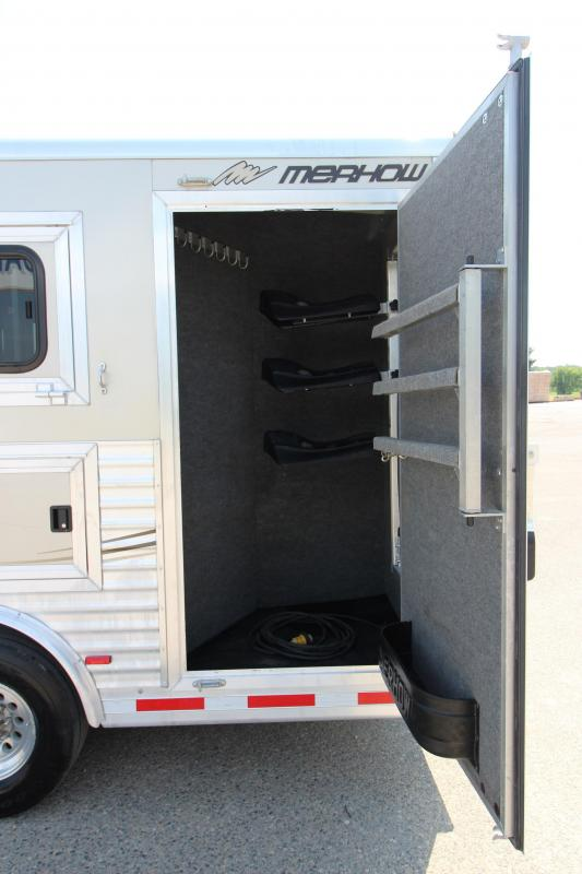 2011 Merhow Trailers Verylite 3HR with 15 LQ w/slide out Horse Trailer
