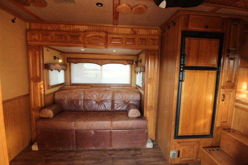 2007 Sundowner Trailers 3HR 19 LQ Golf Cart Room Horse Trailer