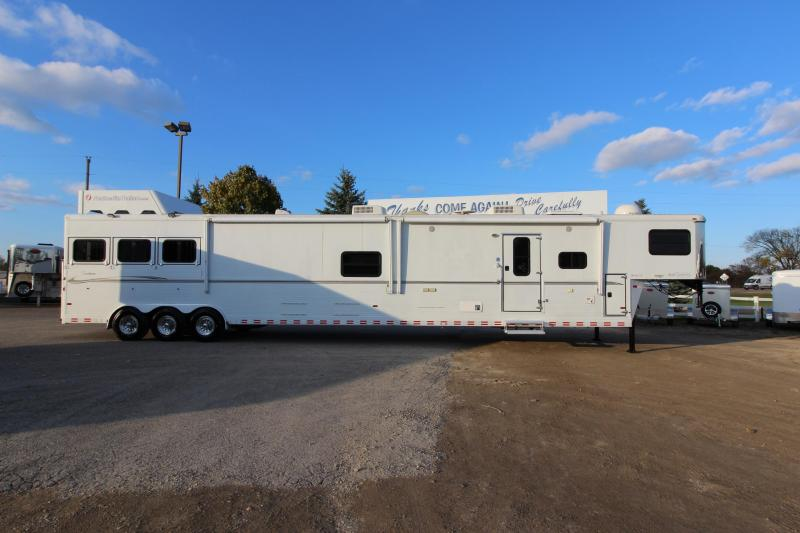 2007 Sundowner Trailers 3HR 19 LQ Golf Cart Room Horse Trailer