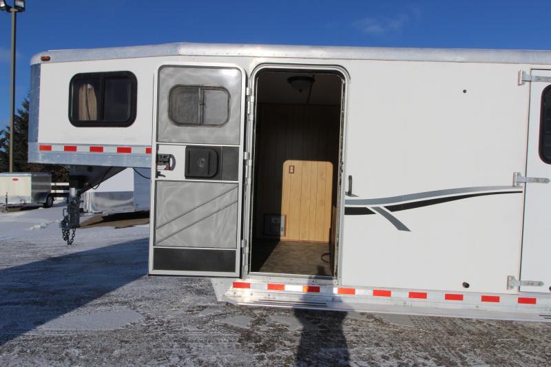 2001 Kiefer Built 4HR Weekender GN Horse Trailer