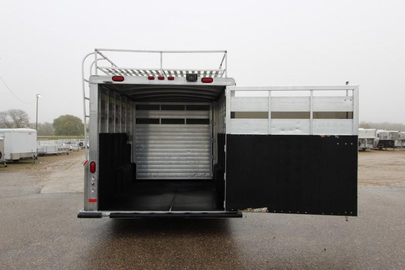 2003 Integrity Trailers 4HR Stock Combo 8 D/R Weekender Horse Trailer