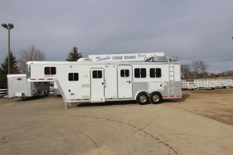 2004 Featherlite 3HR 10 LQ Horse Trailer