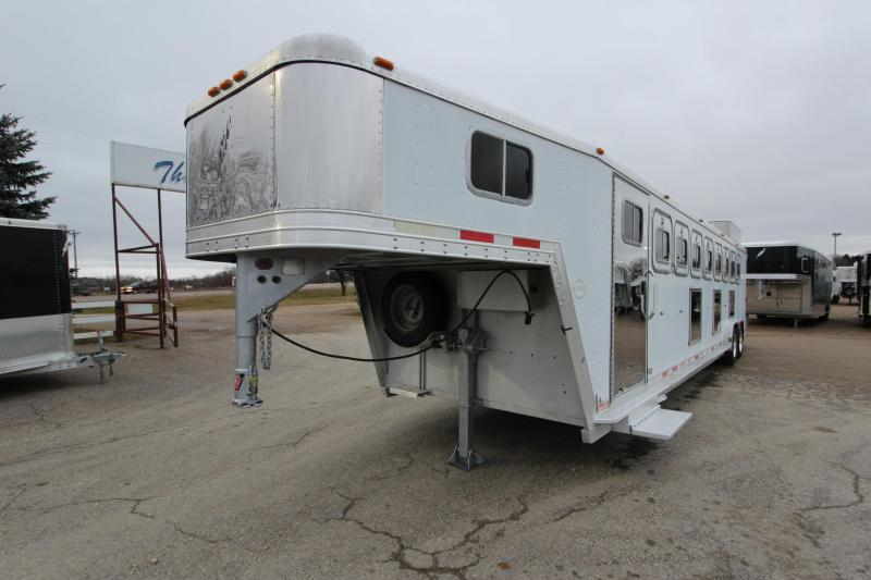 1998 Featherlite 8HR GN Horse Trailer