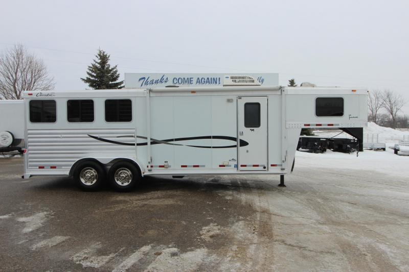2006 Cherokee Trailers 3HR 9 LQ w/slide Horse Trailer