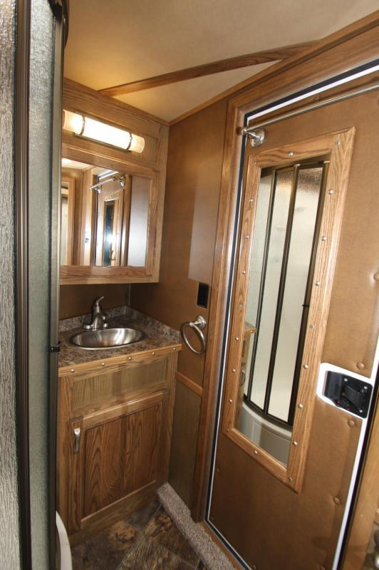 2016 Featherlite 9821 4H 15.5 LQ w/Slide Horse Trailer