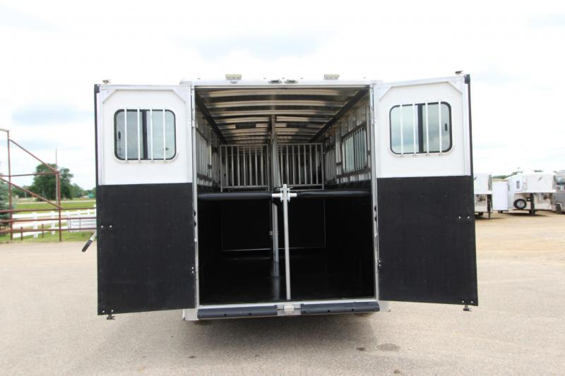 2018 Sundowner Trailers 4HR H2H Transporter Horse Trailer