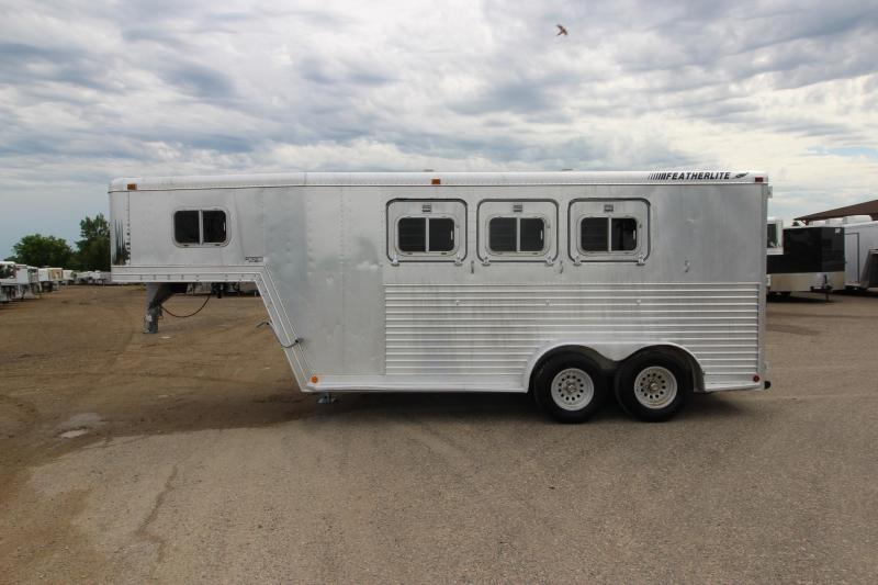 1992 Featherlite 3HR GN Horse Trailer