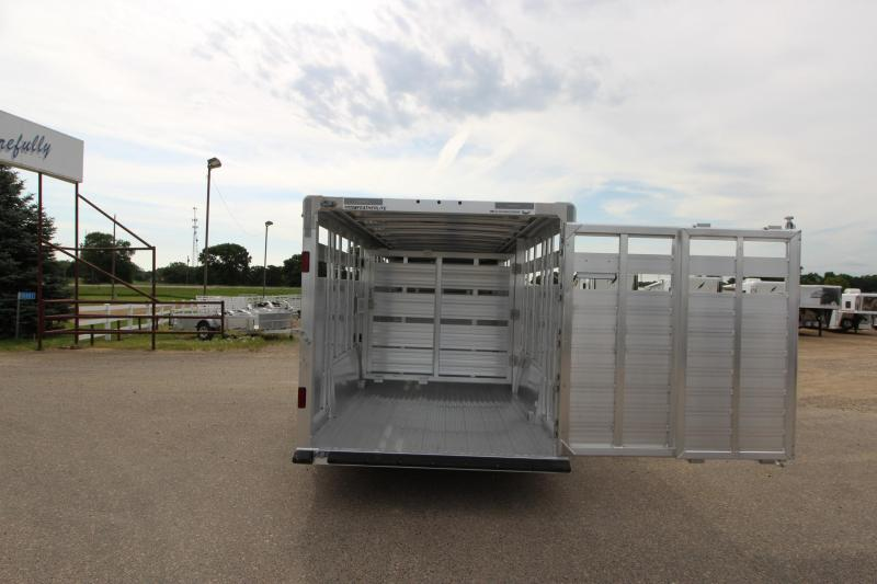 2019 Featherlite 8127 24' Livestock Trailer