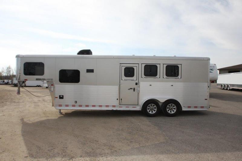 2017 Sundowner 3 horse with 9' LQ