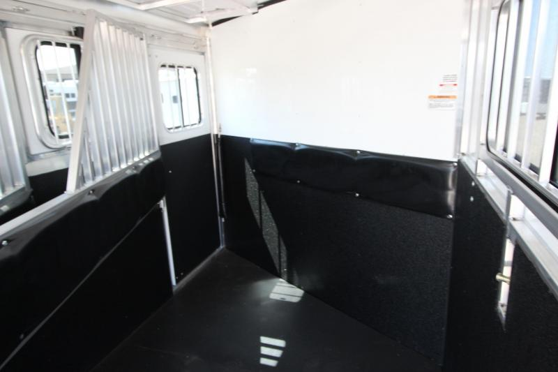 2018 Sundowner Trailers Super Sport 3HR GN Horse Trailer