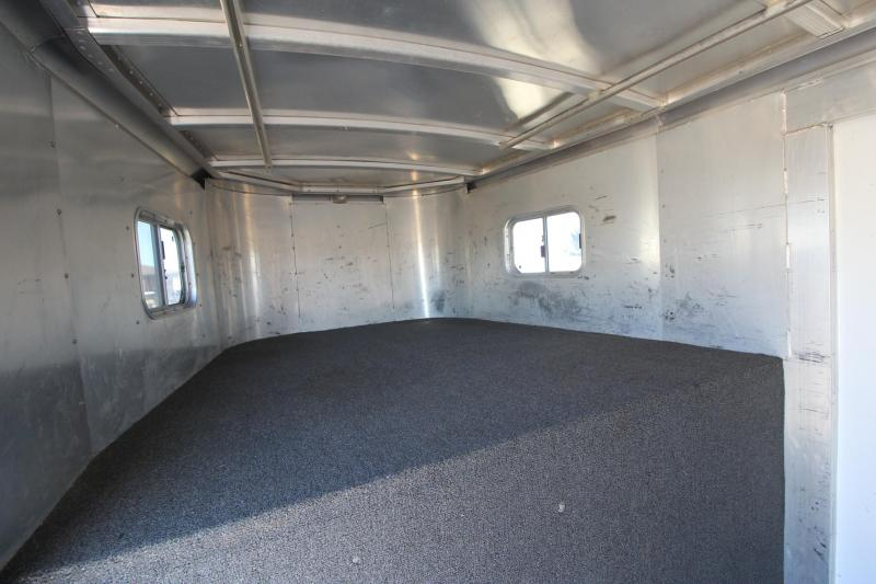 2001 Exiss Trailers 6HR MT Horse Trailer