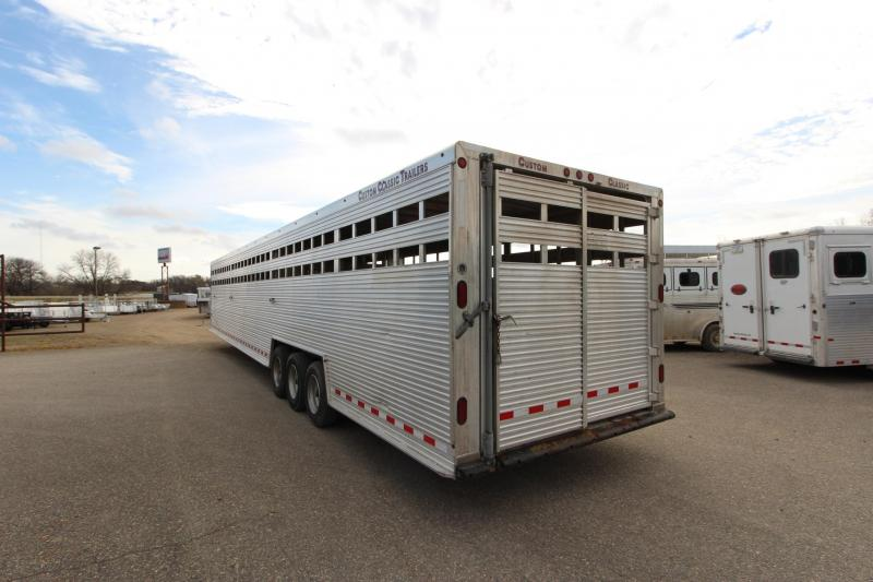 2016 Classic Manufacturing 45 GN Livestock Trailer
