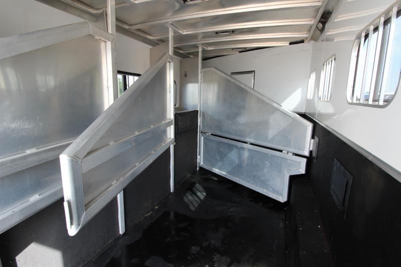 2008 Exiss Trailers Sport 4HR GN with 8 LQ Horse Trailer