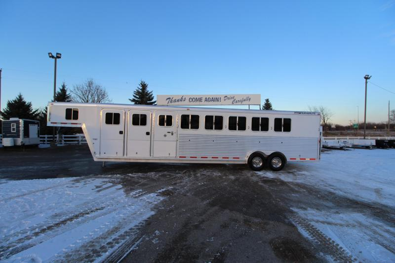 2005 Featherlite 6HR MT Horse Trailer