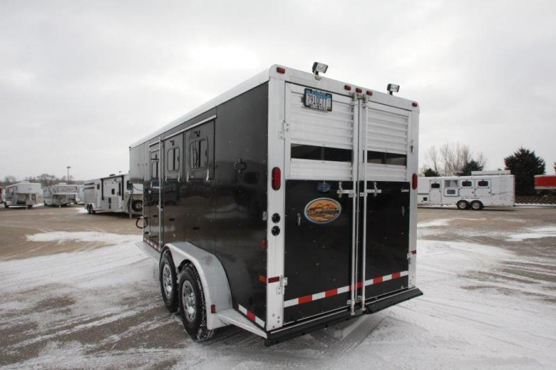 Used Horse Trailers Featherlite Horse And Livestock Trailers