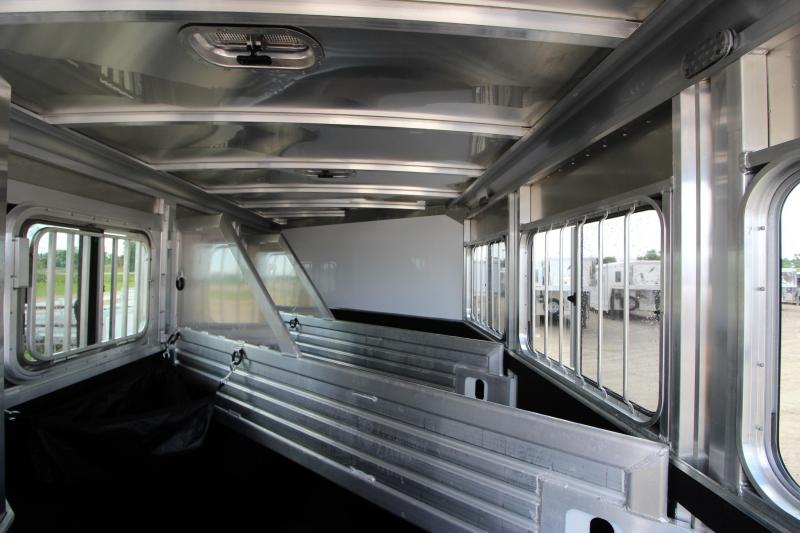 2017 Featherlite 9409 3HR w/24 D/R Horse Trailer