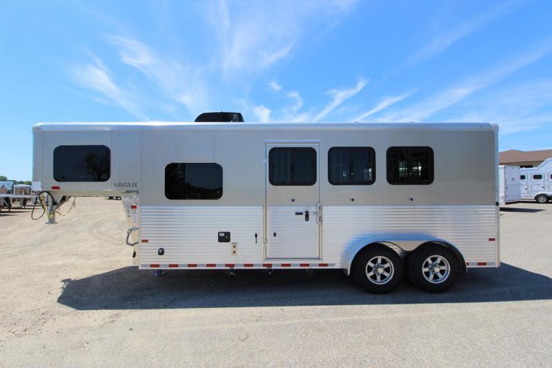 2019 Sundowner Trailers 6906 3HR 6 LQ Horse Trailer