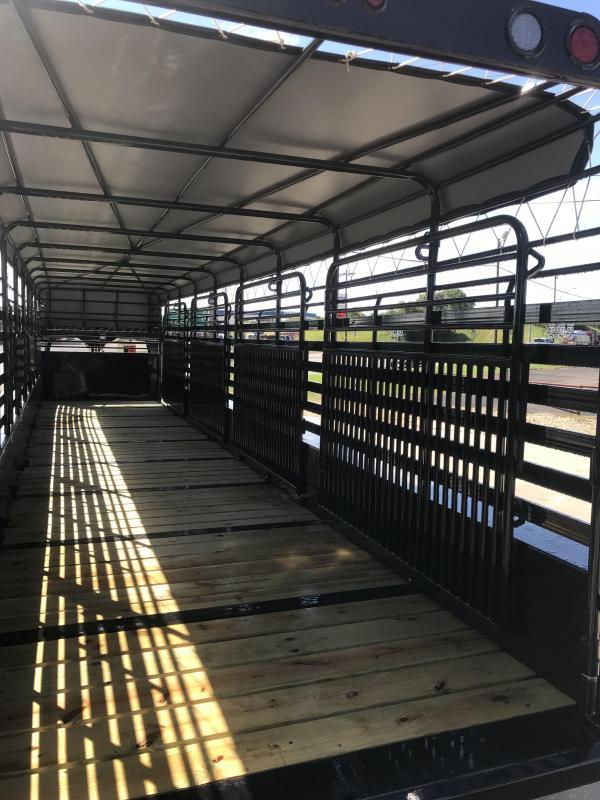 2019 Delco Trailers GB6836370 Livestock Trailer
