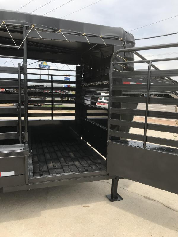 2019 Delco Trailers GB6832370 Livestock Trailer