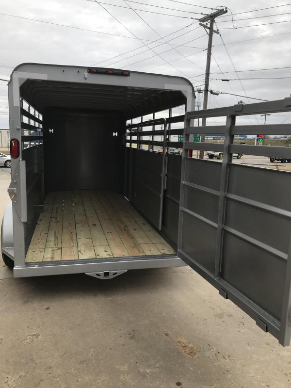 2019 Delco Trailers BS0616252 Livestock Trailer