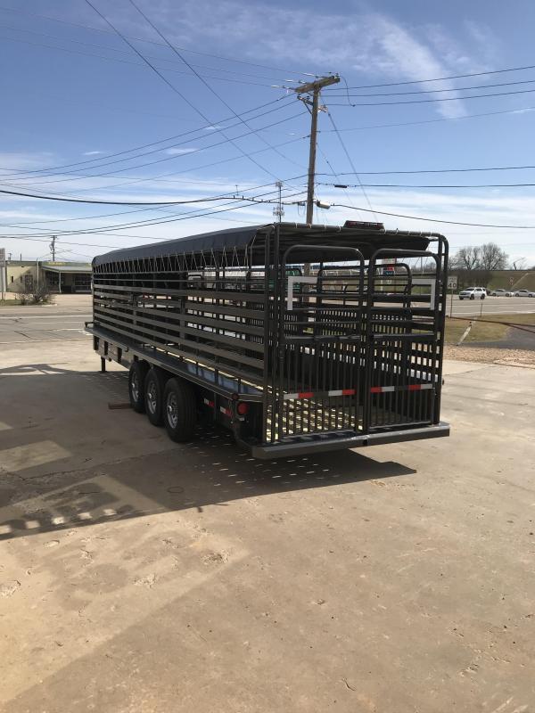 2019 Delco Trailers GB68283701 Livestock Trailer
