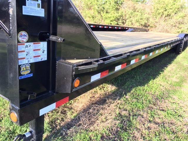 "2019 Load Trail 102"" X 32' Gooseneck Carhauler 3-7K"