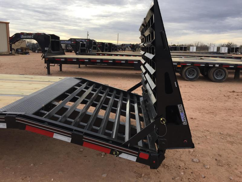 2019 Diamond C Trailers 40' Gooseneck HotShot w/ HD Ramps