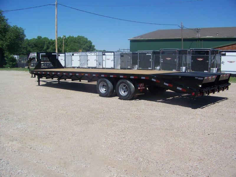 2019 PJ Trailers 32' Classic Flatdeck with Duals (FD)