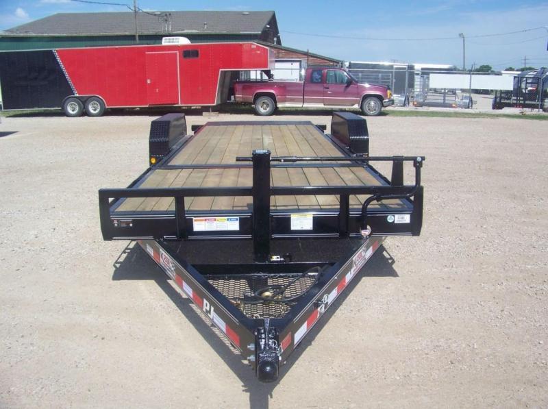 """2019 PJ T6 82""""x22' Tilt Deck"""