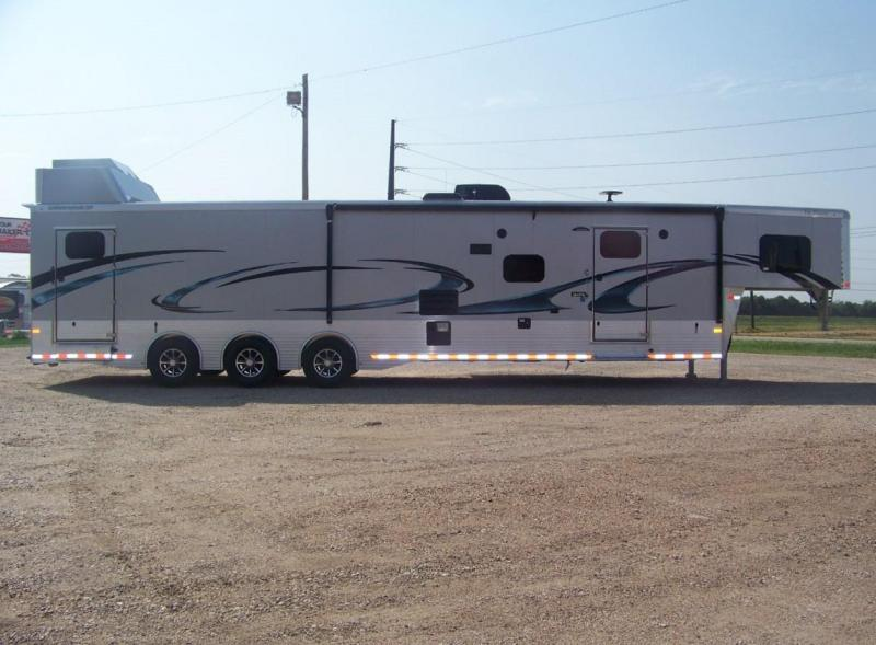 2019 Sundowner Trailers 2486SGM Toy Hauler