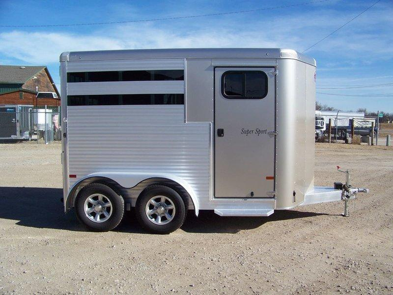 2017 Sundowner Trailers Sportman BP Horse Trailer