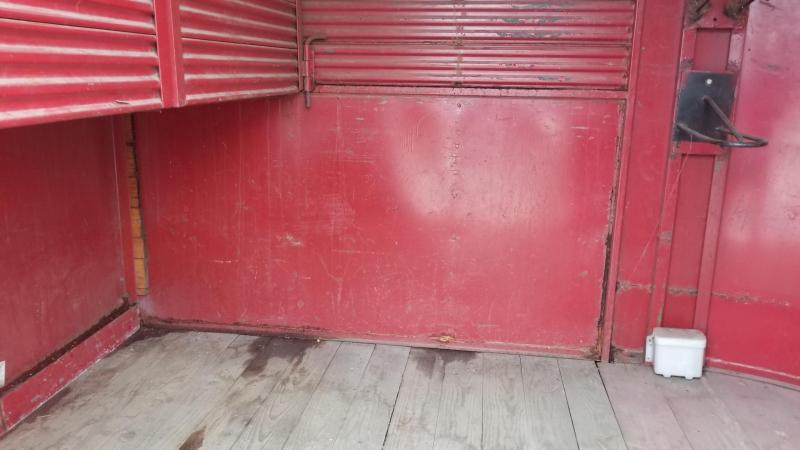 1987 Rawhide 2 Place Horse Trailer