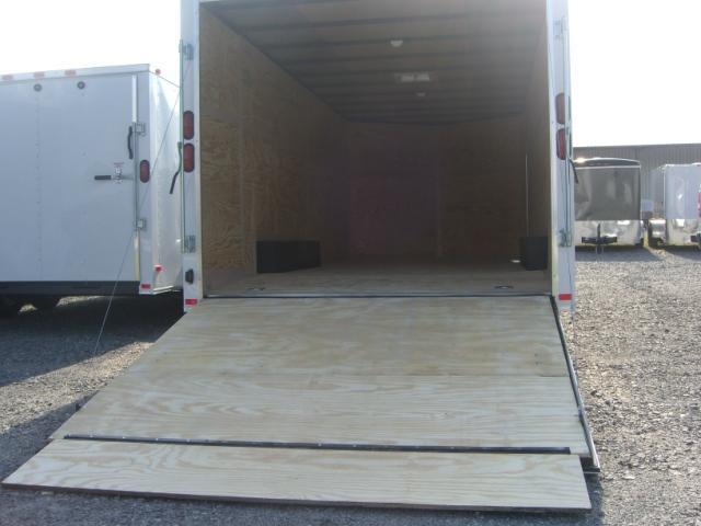 Diamond Cargo 8.5X20 Enclosed Cargo Trailer V Nose