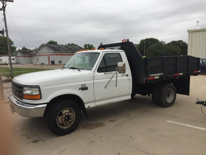 1996 Ford F-350 XL 2WD Truck