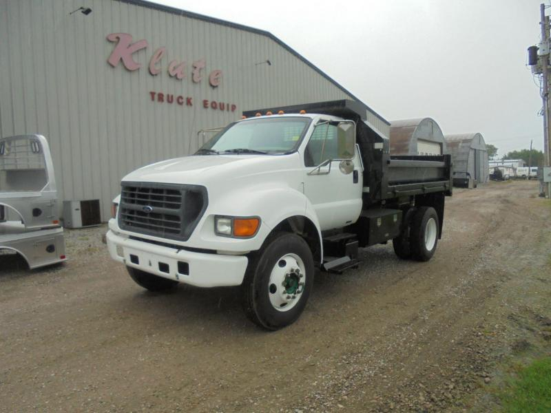 2000 Ford F-650 Truck