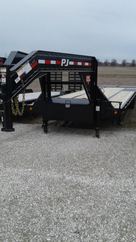 2019 102x32 (27+5) PJ Trailers 32' Low-Pro Flatdeck with Duals Trailer - Monster Ramps (GVW:  25000)