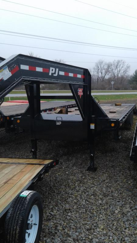 2019 102x30(25+5' Dovetail) PJ Trailers FD Classic Flatdeck with Duals Trailer - w/ 2 Flip-over Monster Ramps (GVW: 25000)