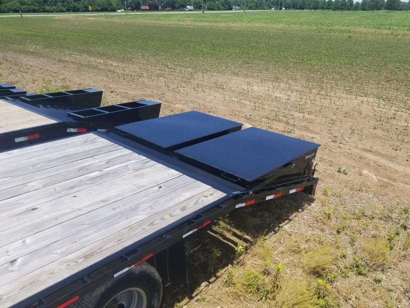 2018 102x32(27+5' Dovetail) PJ Trailers FD Classic Flatdeck with Duals Trailer - w/ 2 Flip-over Monster Ramps (2) 12000# axles  (GVW: 25000) *Gooseneck*