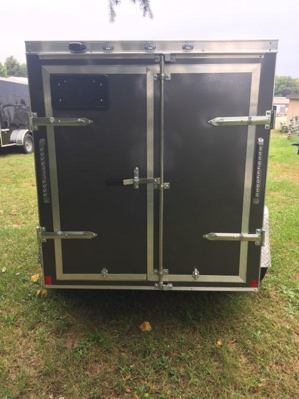 2019 Formula Trailers FSCBC5.0X08SI2FF Enclosed Cargo Trailer