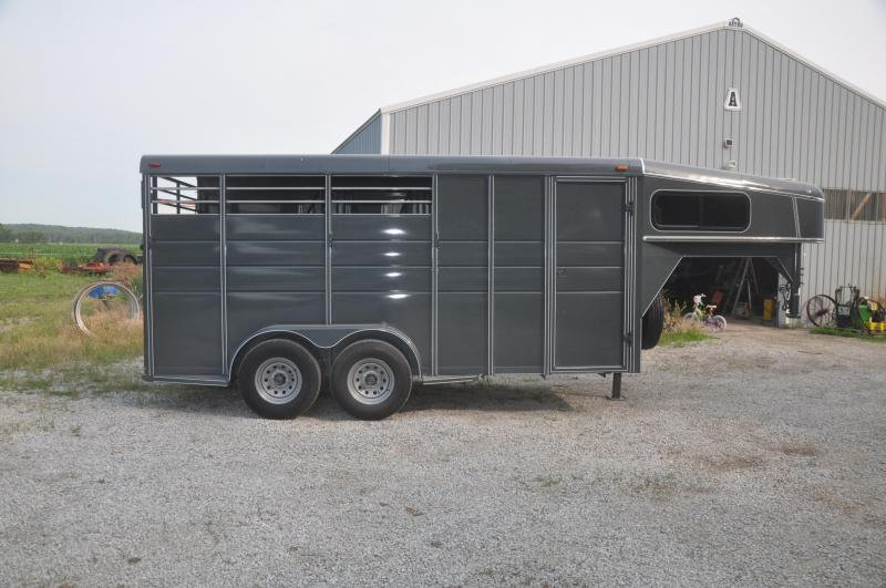 2018 Calico Trailers 3 HORSE SLANT LOAD GN Livestock Trailer