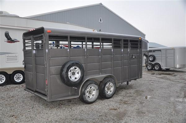 "Calico 6 x 6'6"" x 16 Gooseneck Livestock Trailer"