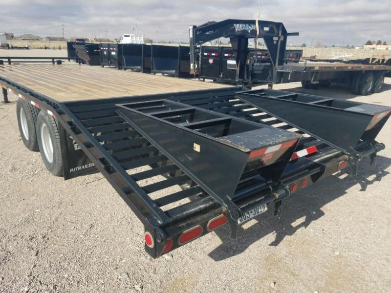 2014 PJ Trailers Classic Pintle with Duals Equipment Trailer