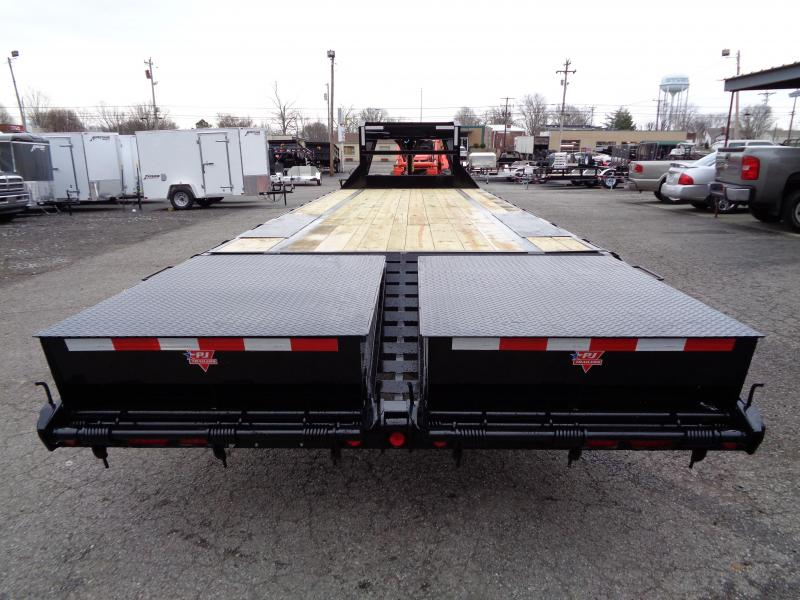 2019 PJ Trailers 28' Low-Pro Flatdeck with Singles (LS) Flatbed Trailer