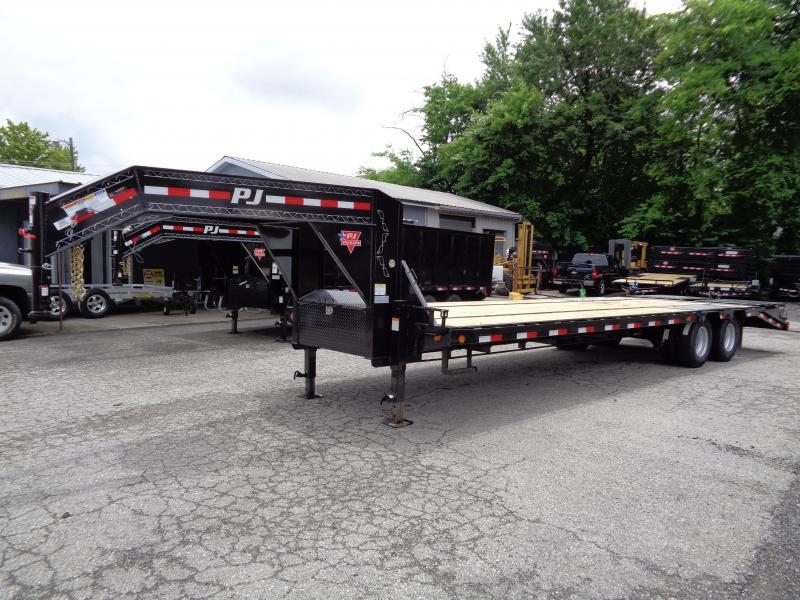 2020 PJ Trailers 30' Low-Pro Flatdeck with Duals (LD)