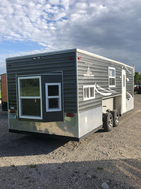 2013 Ice Castle 21Ft RV Edition Ice/Fish House Trailer