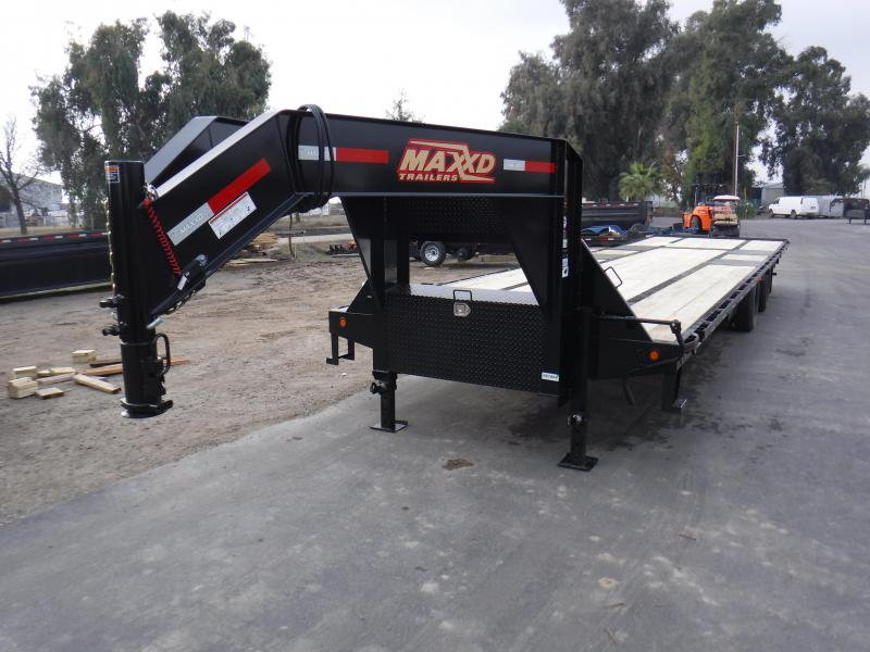 2019 MAXXD TANDEM DUAL HYDRAULIC DOVETAIL Flatbed Trailer