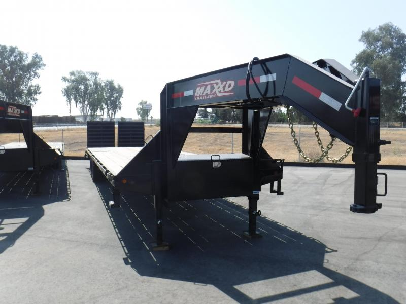 2018 Maxxd Trailers GOOSENECK LOW-PRO FLATEBED Equipment Trailer