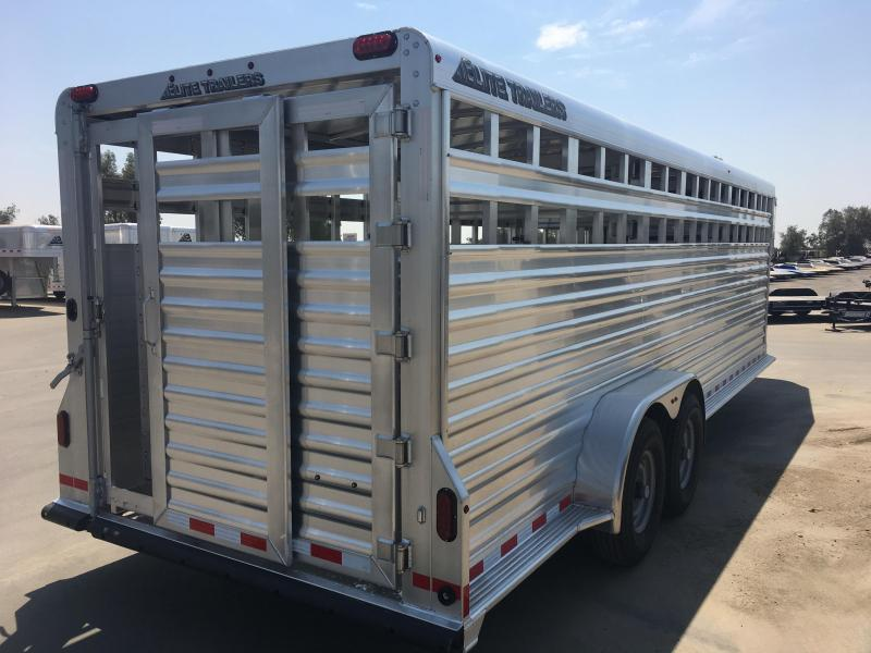 2019 Maxxd Trailers SHOW CATTLE Livestock Trailer