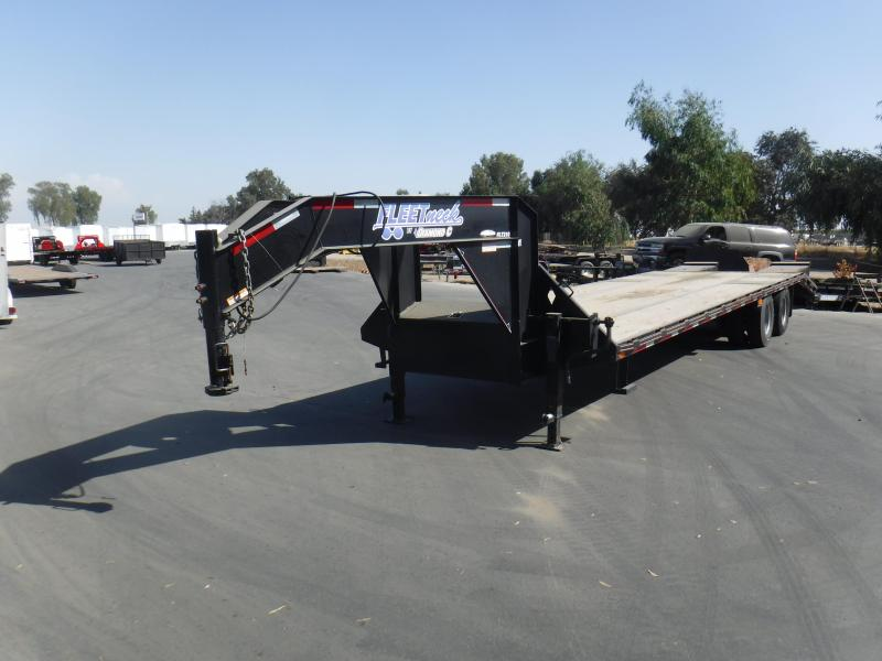 2014 Diamond C Trailers 30X102 GOOSENECK Equipment Trailer