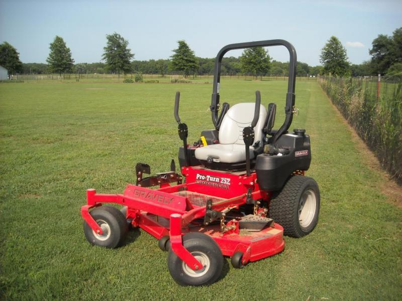 2018 Other Gravely PRO-TURN 252- YAMAHA Lawn/ Zero Turn Mower in Ashburn, VA